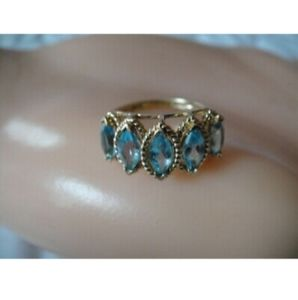 ESTATE 10K YELLOW GOLD MARQUISE BLUE TOPAZ RING ÷